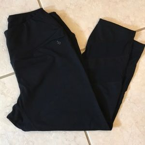Torrid black capri workout pants